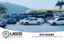 Ônibus de turismo burlam regras, estacionam em São Pedro e turistas pegam táxis para Cabo Frio